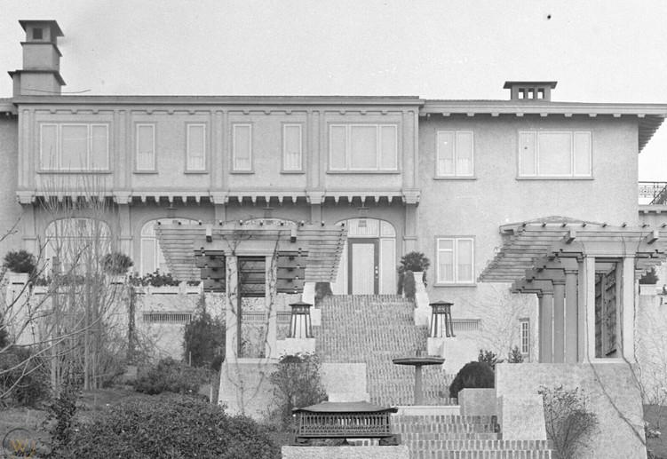 1912 - DELIA MOFFITT HOME - SEA VIEW.jpg