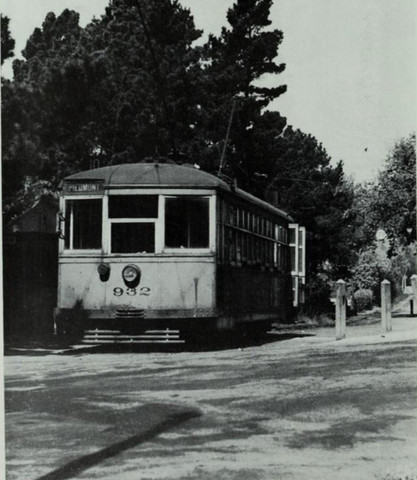 Key System's No. 10 route in Piedmont - The picture was taken in 1943.jpg