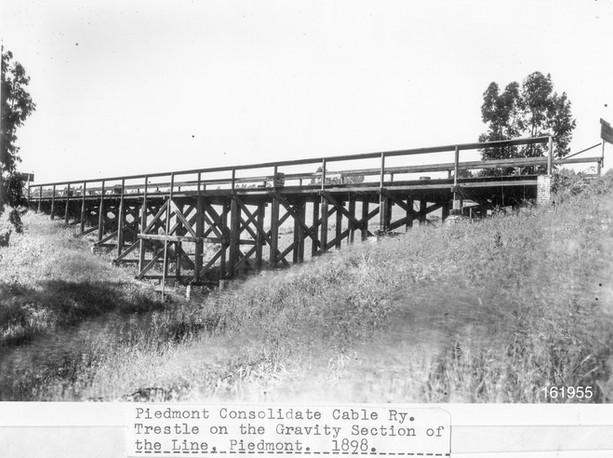 1898 - Gravity section of Oakland Avenue bridge - 161955ks.jpg