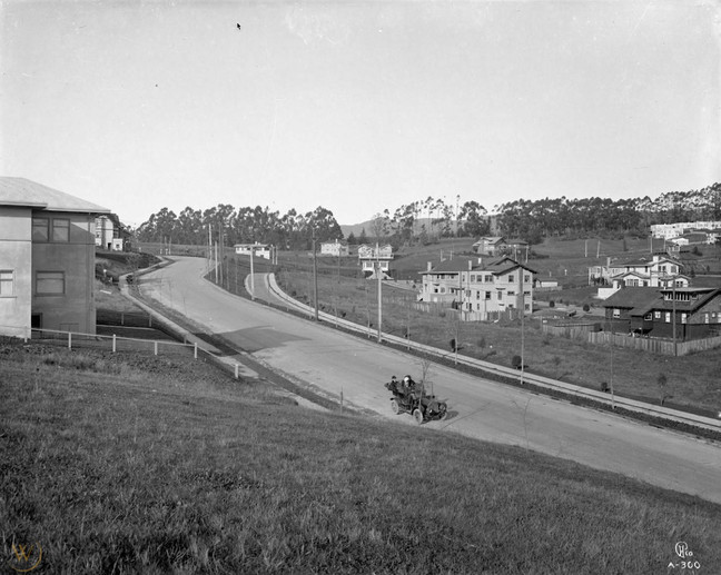 1912 Piedmont manor.jpg