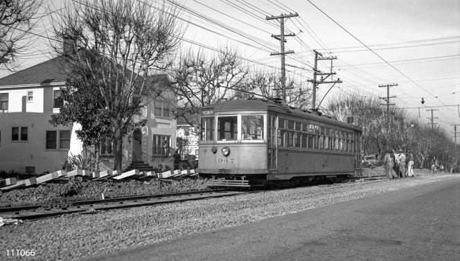 Piedmont - Train - 10 - Highland Avenue - 111066ks.jpg