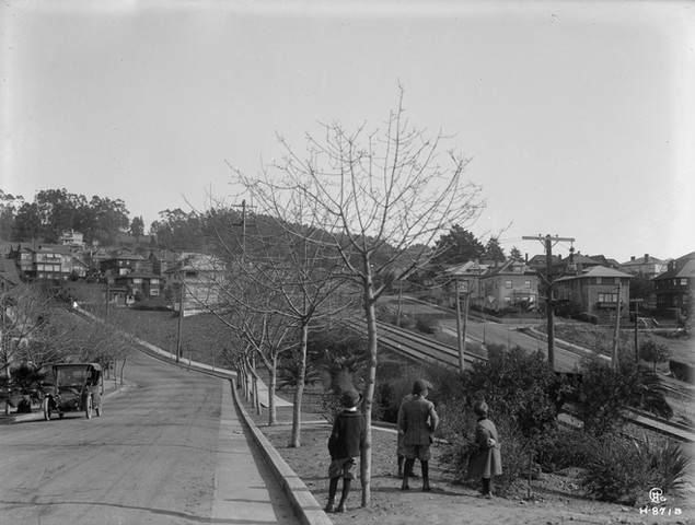 Piedmont or Oakland - HOMES VISTA - 1912 Crosno_06152018_004_comp_final.jpg