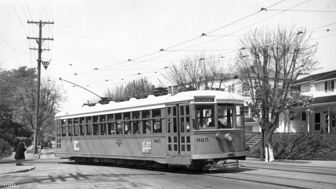 Piedmont - 10 train - Highland  avenue - 171633ks.jpg