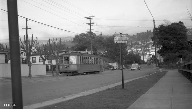 Key - 11 line in piedmont on Oakland ave next to the rose garden - 111084ks.tif