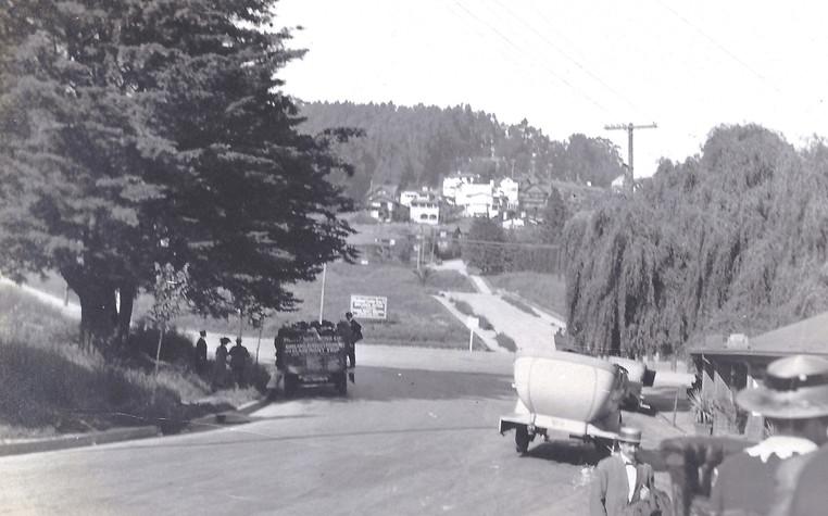 Road in front of Piedmont Park - 1915.jp