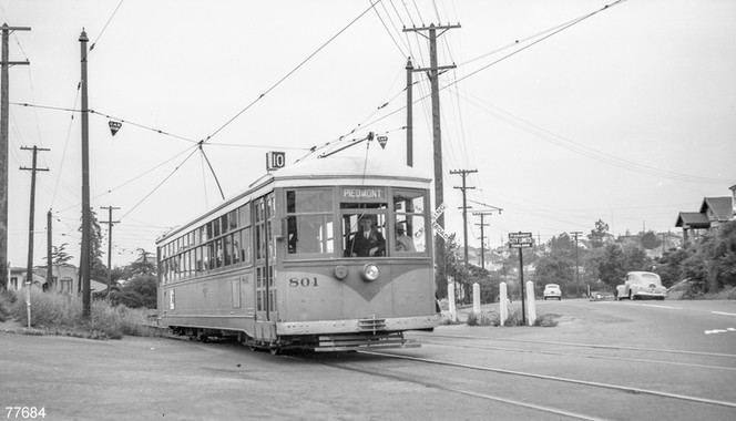 Piedmont - Train - 10 - Grand Ave - 77684ks.jpg