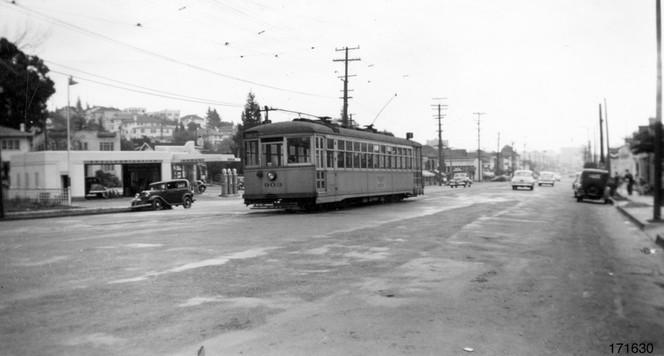 Piedmont - 12 train - Grand  avenue - 171630ks copy.jpg