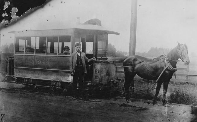 1905 - 1 Horse car. Oakland. Mountain View Railway. Broadway and Piedmont line.jpg