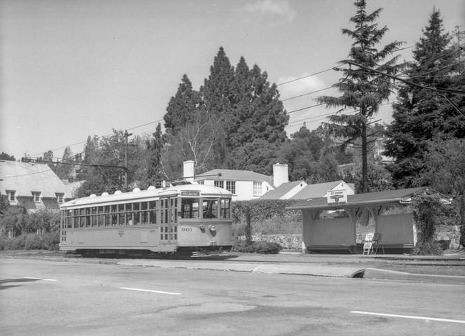 Piedmont - Train - 10 - Guildford Road - 163030ks.jpg