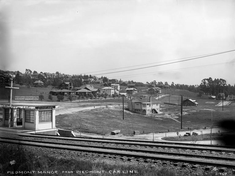 Piedmont - Piedmont  Manor - 1915