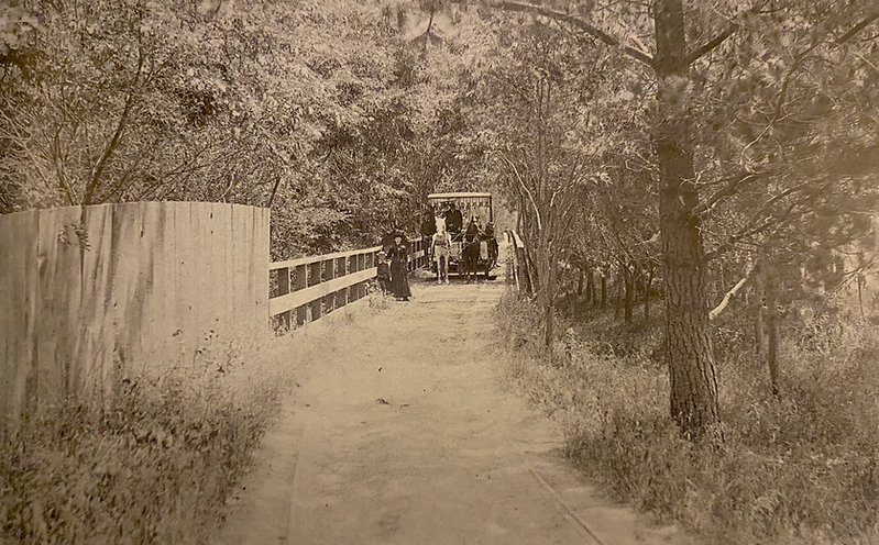 Piedmont railroad - horse operated line to Piedmont Springs Park and hotel.jpg