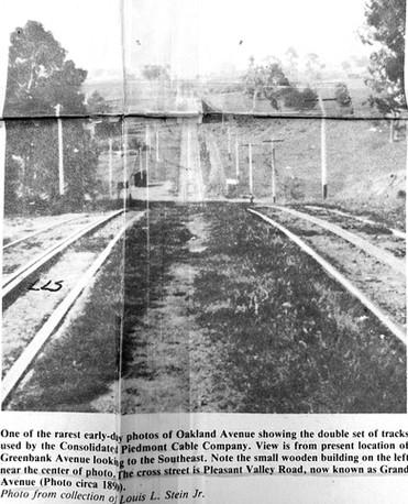 Piedmont - Trains - Oakland Ave going down.jpg