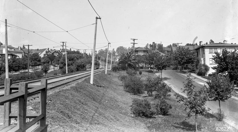 Piedmont - Train - 10 - Manor Station - 82622ks.jpg