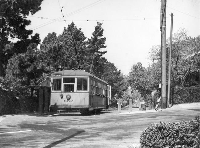 Piedmont - 10 train - Crocker Station - 171663ks.jpg