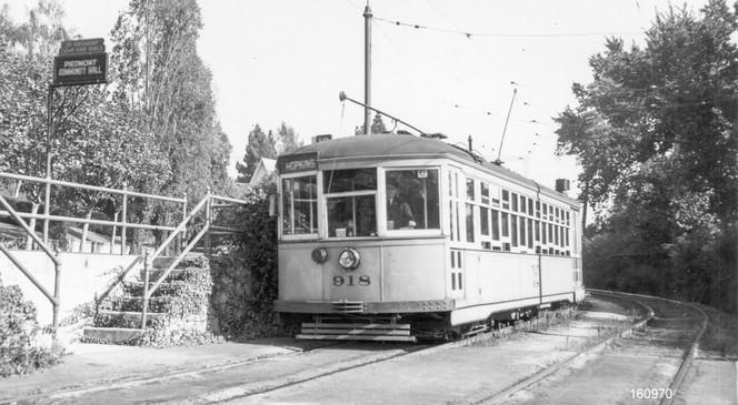 Piedmont - Train - 10 - Highland Ave - Piedmont Community Hall - 160970ks.jpg