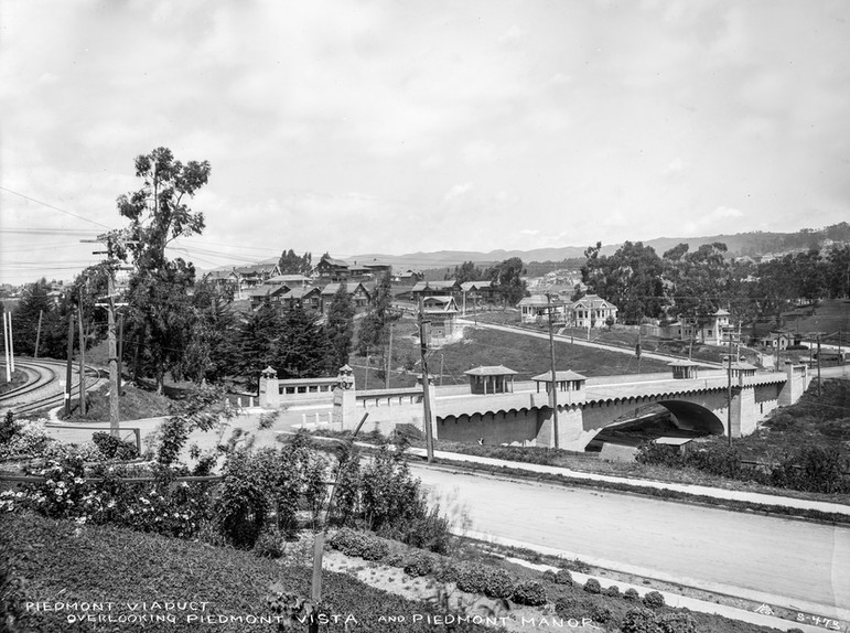 PIEDMONT - Oakland Avenue Bridge - Small