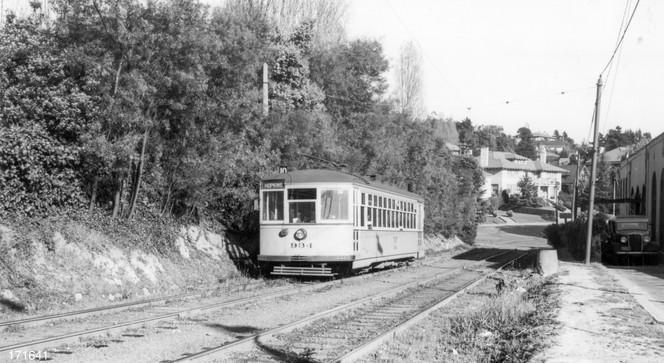 Piedmont - 10 train - Highland  avenue - 171641ks.jpg