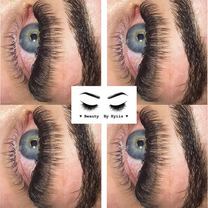 Full volume Russian lashes