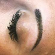 Microblading brows and lashes
