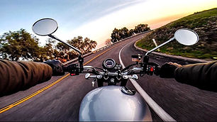 motorcycle-riding_t20_pYa0yN.jpg