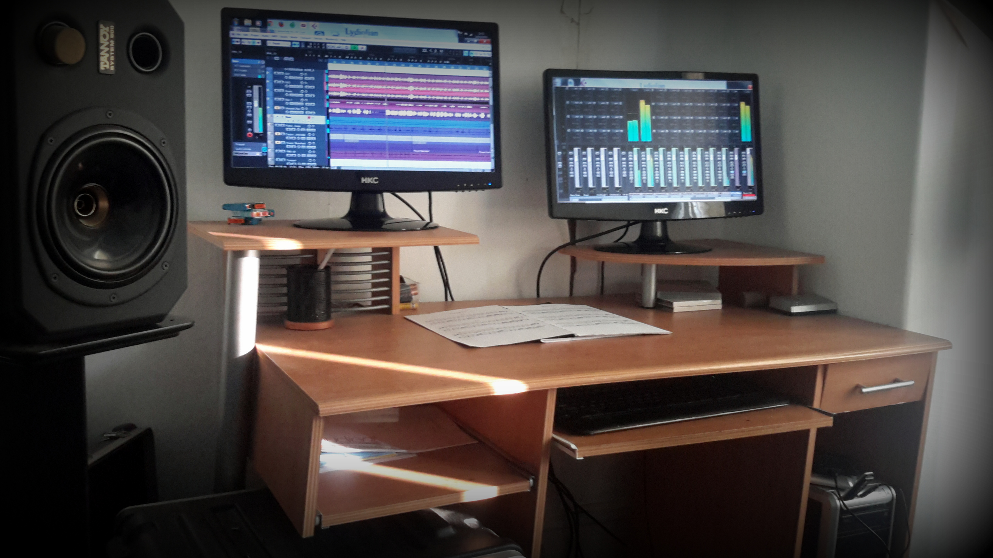 Studio computer running a session