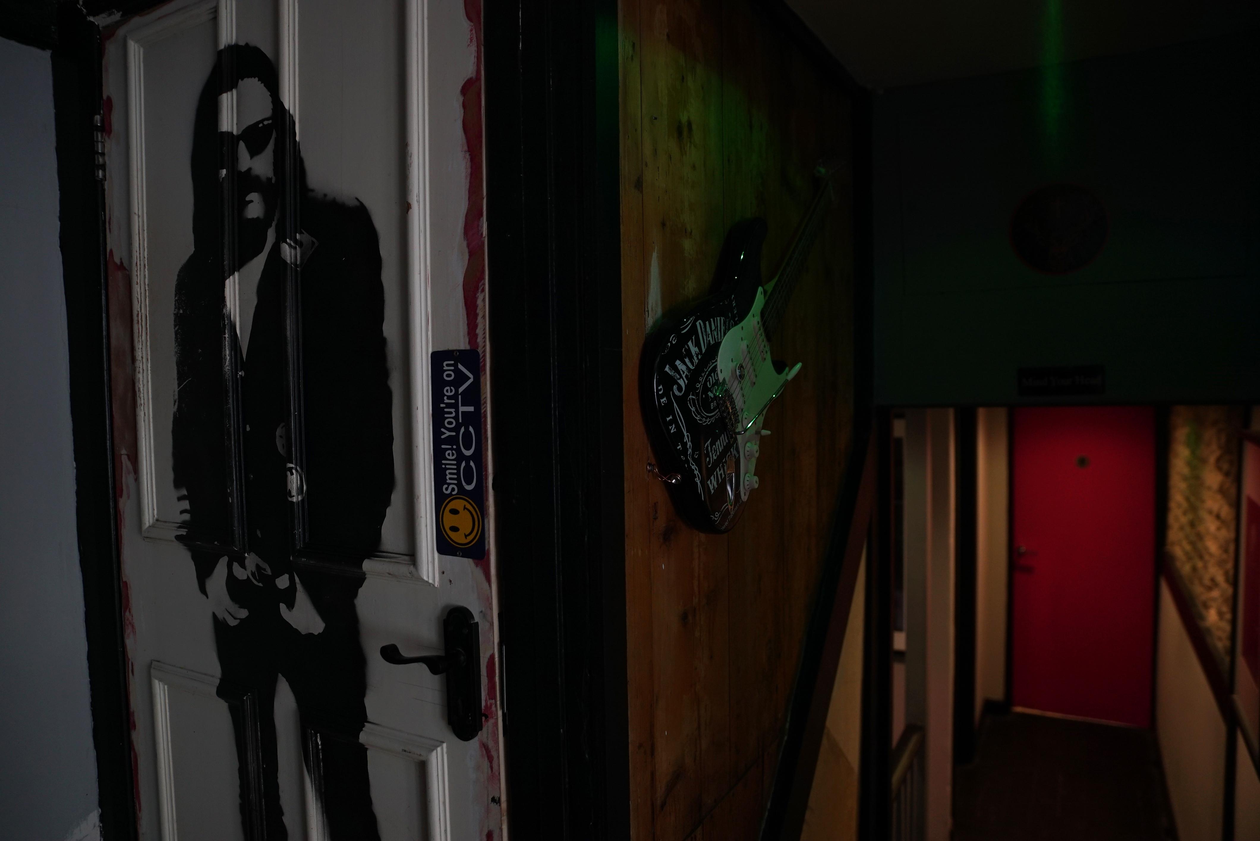 Lemmy Kilmister door