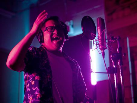 New Artist Raymond Salgado Makes Waves on Social Media, Receives Nods from Industry Icons