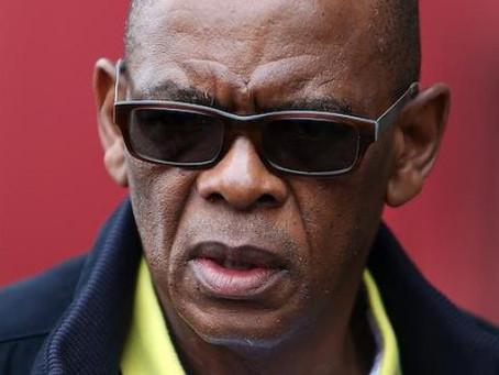 Afrique du Sud : le secrétaire général de l'ANC inculpé pour corruption.