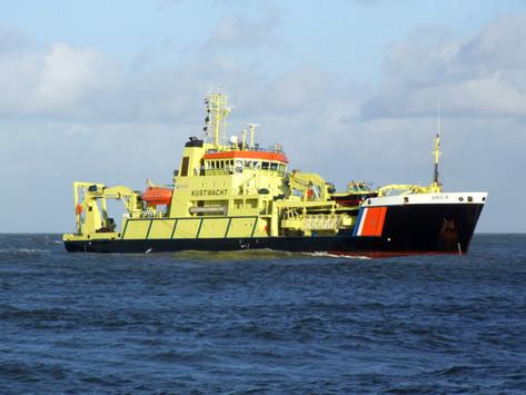 Marine engines and hydraulic control units                 Schiffsmotoren und Hydraulik-Steuerungen