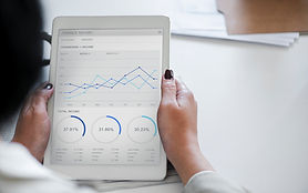 analysis-businesswoman-chart-955447.jpg