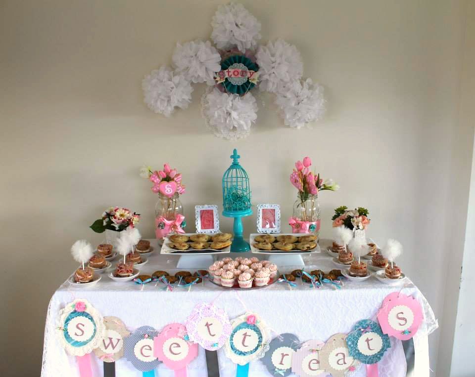 Vintage Sweet Heart Dessert Table