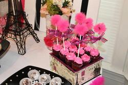 Mini Cupcakes w/Pom-Poms