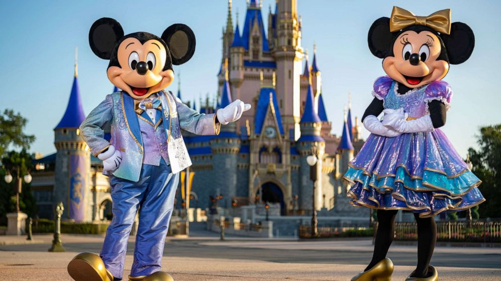 roupa do mickey e da minnie nos 50 anos de walt disney world