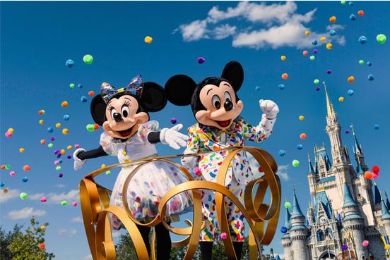 Mickey e Minnie ganham novo visual para a comemoração de 90 anos