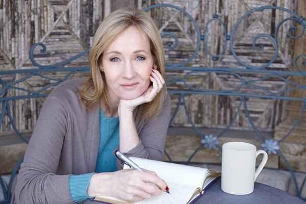 J K Rowling escritora de Harry Potter
