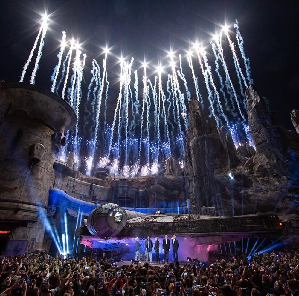 Inauguração de Star Wars Galaxys Edge - Imagem Disney