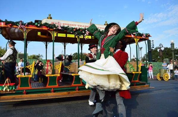 Holly Jolly Trolley Show | Novembro em Orlando