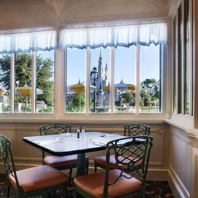 The Plaza Restaurant em Magic Kingdom adiciona bebidas alcoólicas no cardápio