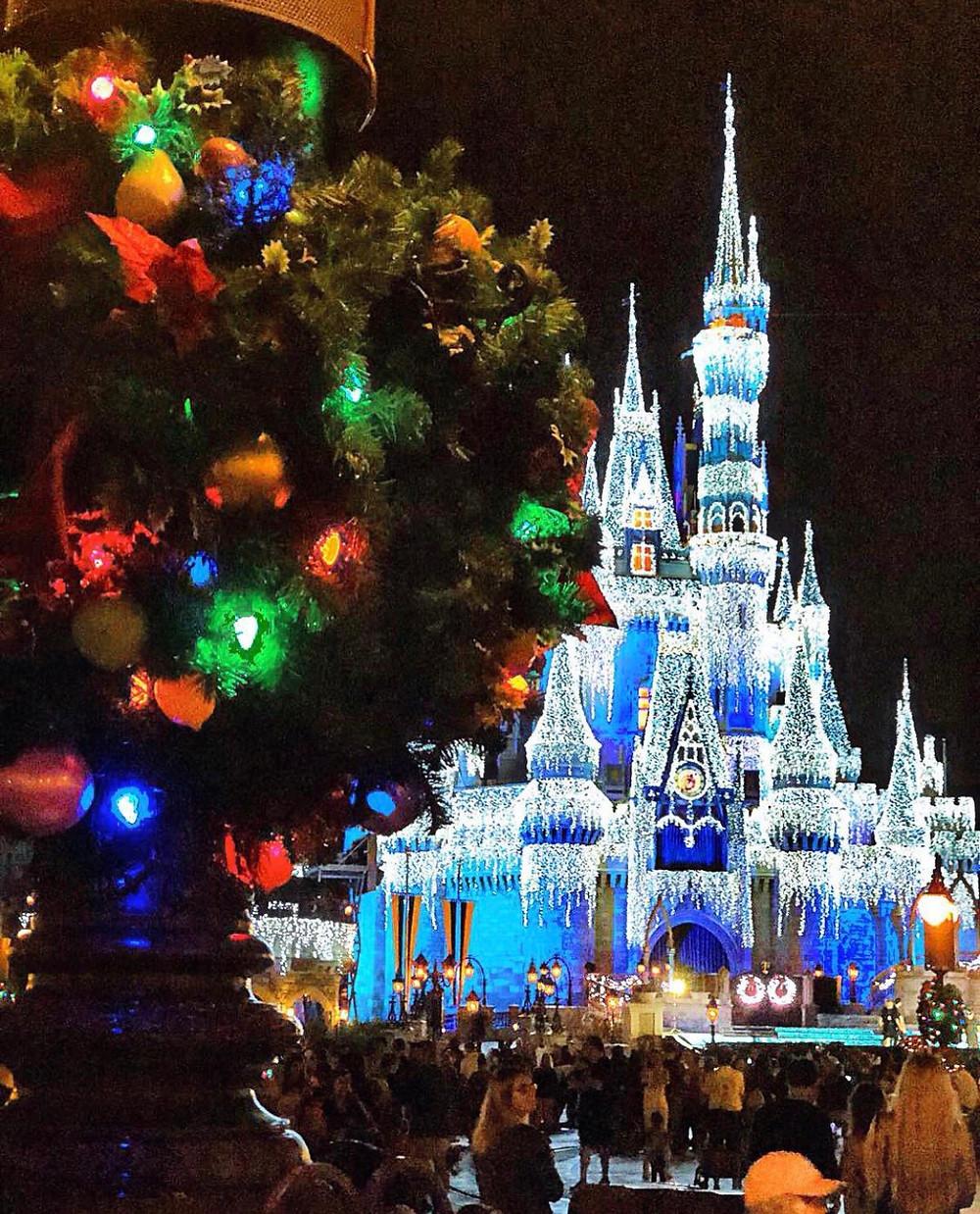 Festa de Natal em Magic Kingdom nessa pandemia