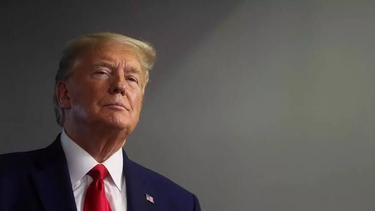 Trump planeja suspender  temporariamente a imigração aos EUA