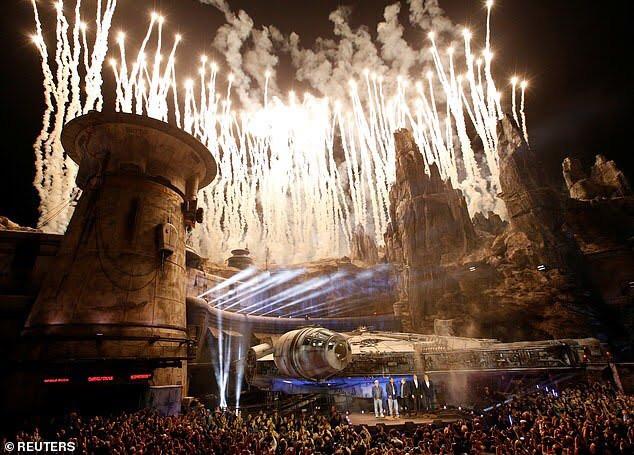 Inauguração de Star Wars Galaxys Edge