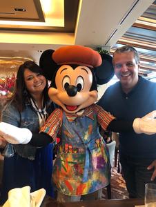 Refeição com personagens no Topolino's Terrace no Riviera Resort Disney
