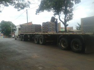Comerciante prometeu R$ 6,4 mil a grupo por roubo de carga de cimento, diz PM