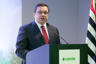 Presidente do Semeesp presente no II Fórum Nacional do Setor de Serviços