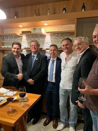 Presidente Iuga realiza encontro de empresários ligados à Fenavist