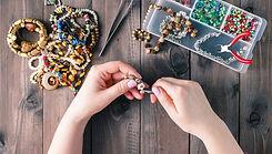 fabriquer-des-bijoux1_edited.jpg