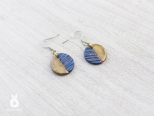 Boucles d'oreilles rondes bleu marine et or
