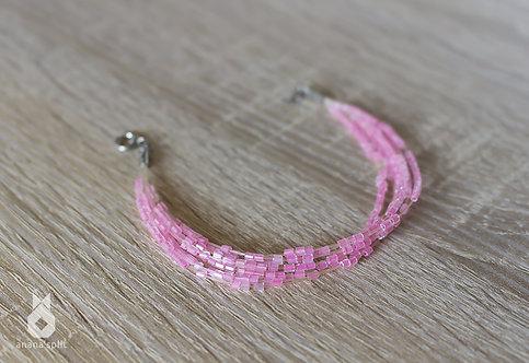 Bracelet en perles roses