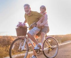 happy-older-couple-compressor_edited_edi