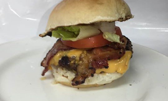 1/4 LB CHEESE & APPLEWOOD BACON BURGER